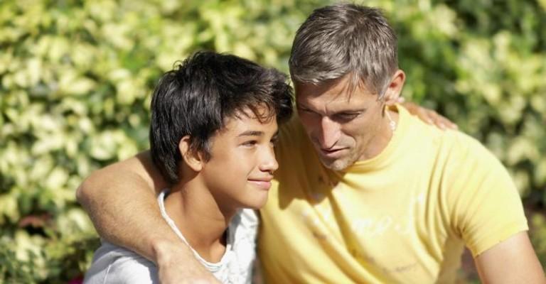 Отношения у отца и сына-подростка
