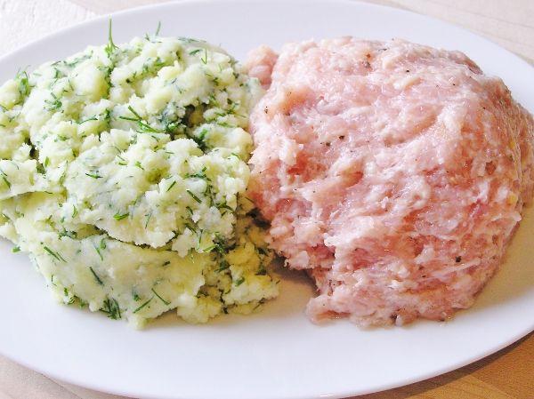 Начинка для пельменей, картофель с укропом и куриный фарш с перцем