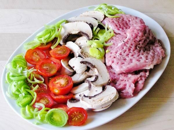 Ингредиенты для мяса по-французски