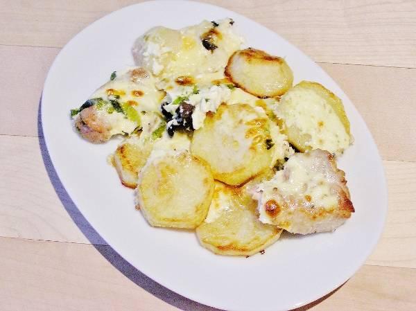 Мясо с картофелем в духовке