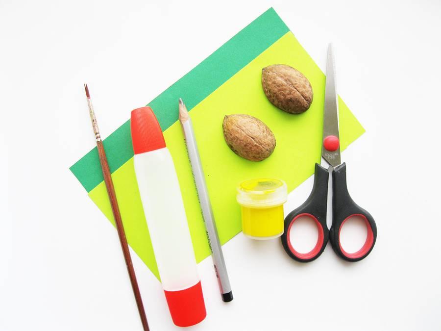 Инструменты и материалы для изготовления ананаса из скорлупы грецкого ореха