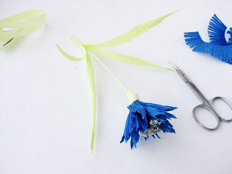 Изготовление поделки из бумаги, шаг 16