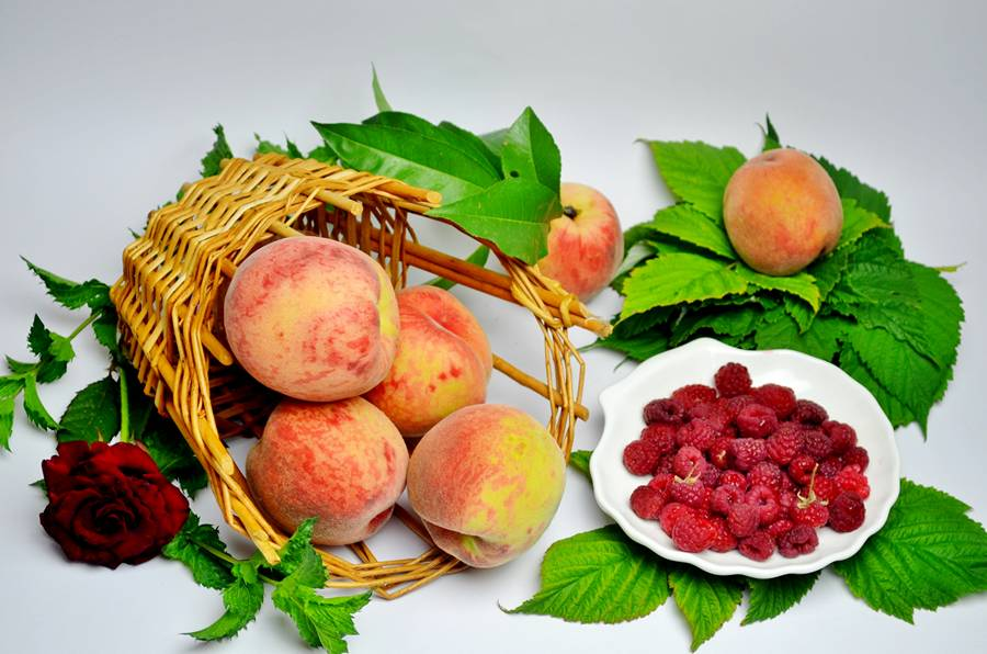 Ингредиенты для Чая из персика и малины
