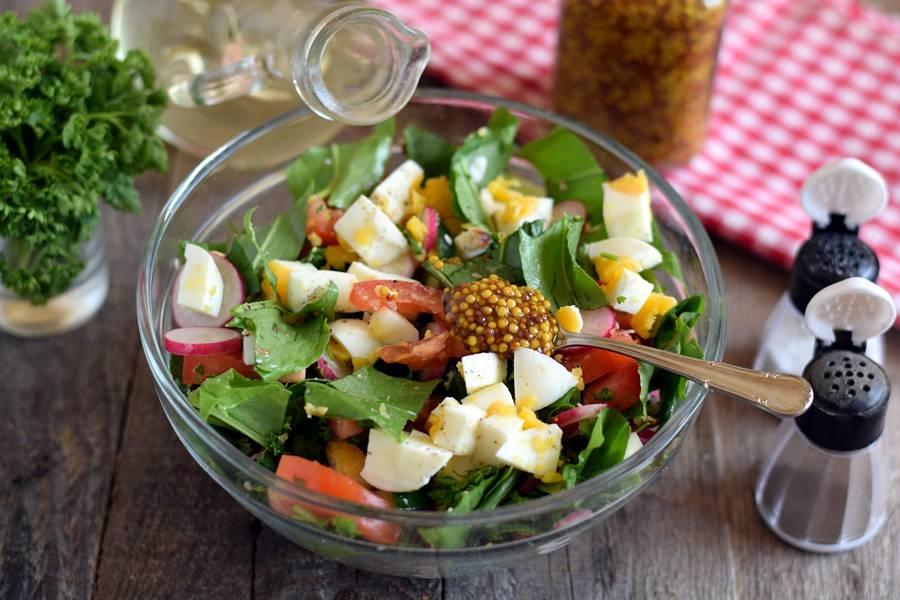 Приготовление овощного салата с щавелем