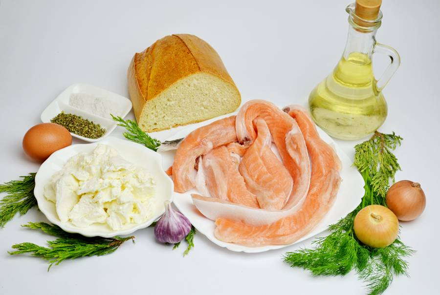 Ингредиенты рыбных котлет с начинкой