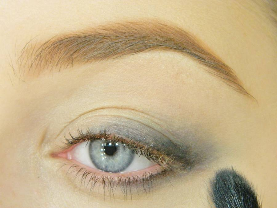Как сделать вечерний золотистый макияж глаз