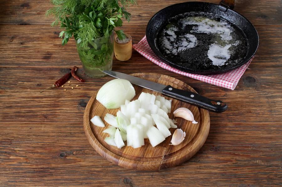 Приготовление грузинской яичницы чирбули