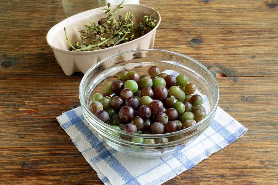 Как закрыть на зиму виноград в сиропе