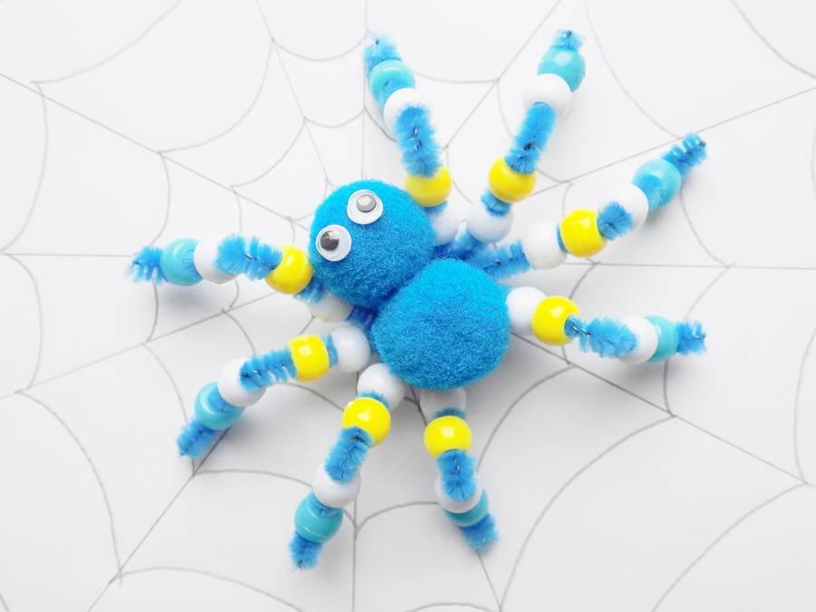 Паук из синельной проволоки