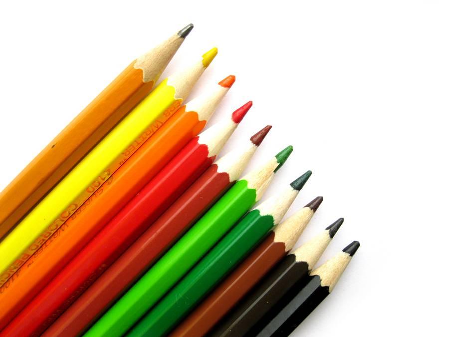 Цветные карандаши для рисования яблока