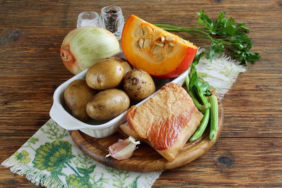 Ингредиенты для картофеля с тыквой