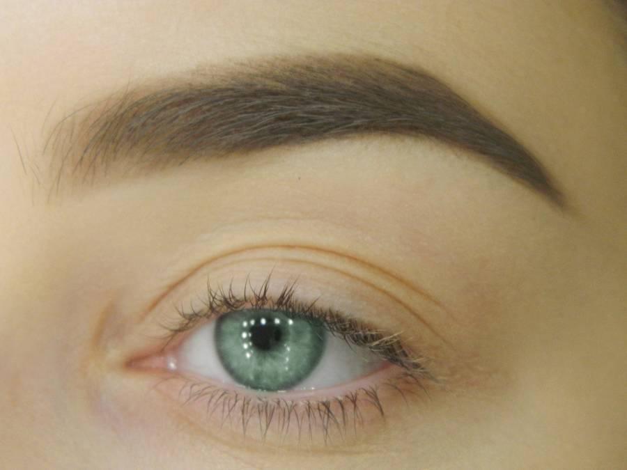 Как сделать макияж для зеленых глаз шаг 1