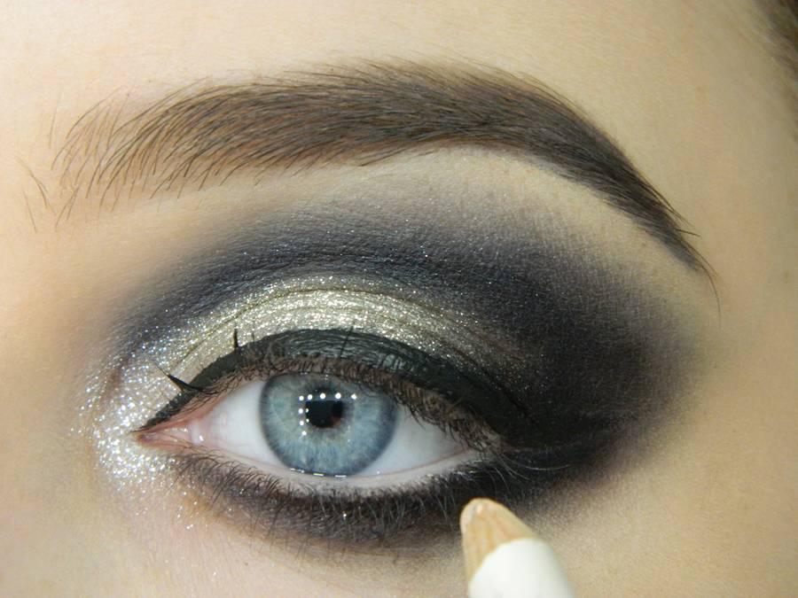 Как сделать новогодний макияж шаг-11