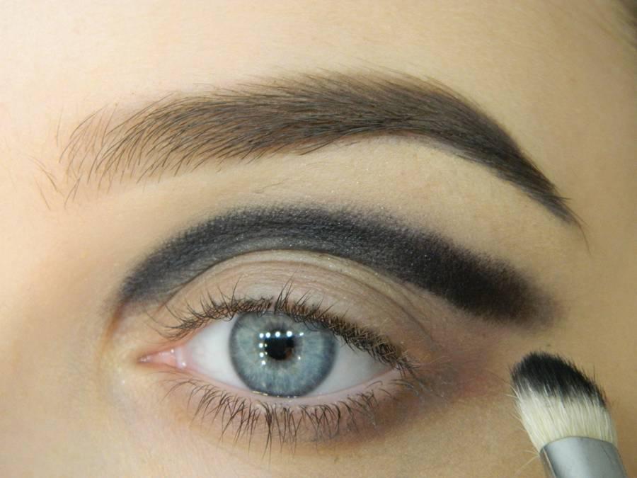 Как сделать новогодний макияж шаг-4
