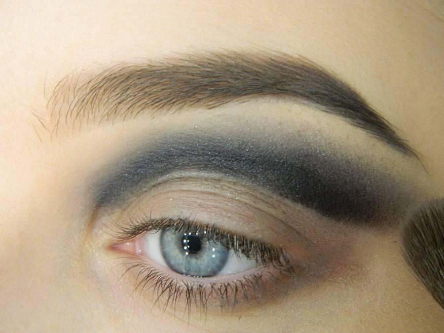 Как сделать новогодний макияж шаг-5