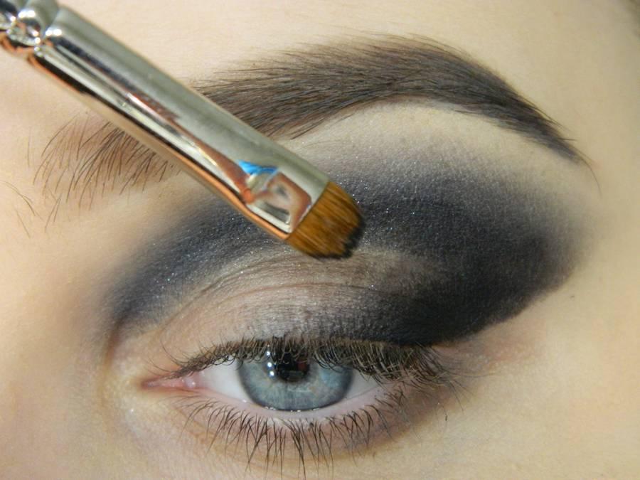 Как сделать новогодний макияж шаг-6