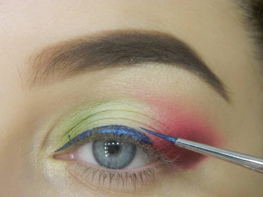 Как сделать яркий контрастный макияж шаг 10