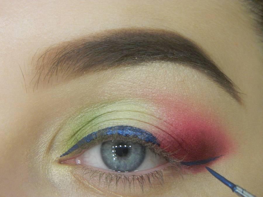 Как сделать яркий контрастный макияж шаг 11