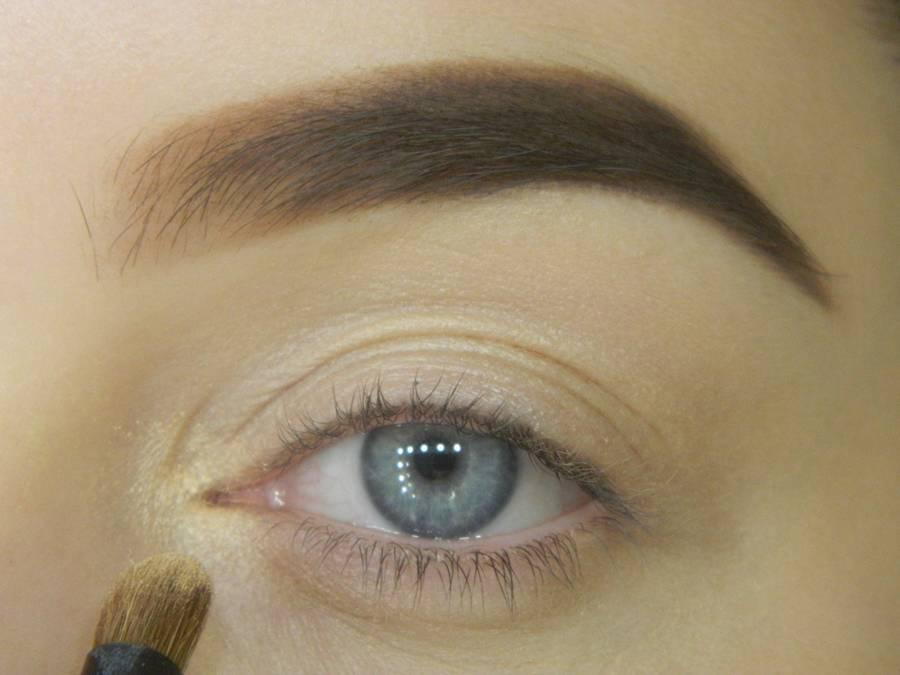 Как сделать яркий контрастный макияж шаг 2
