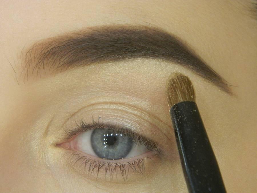 Как сделать яркий контрастный макияж шаг 3