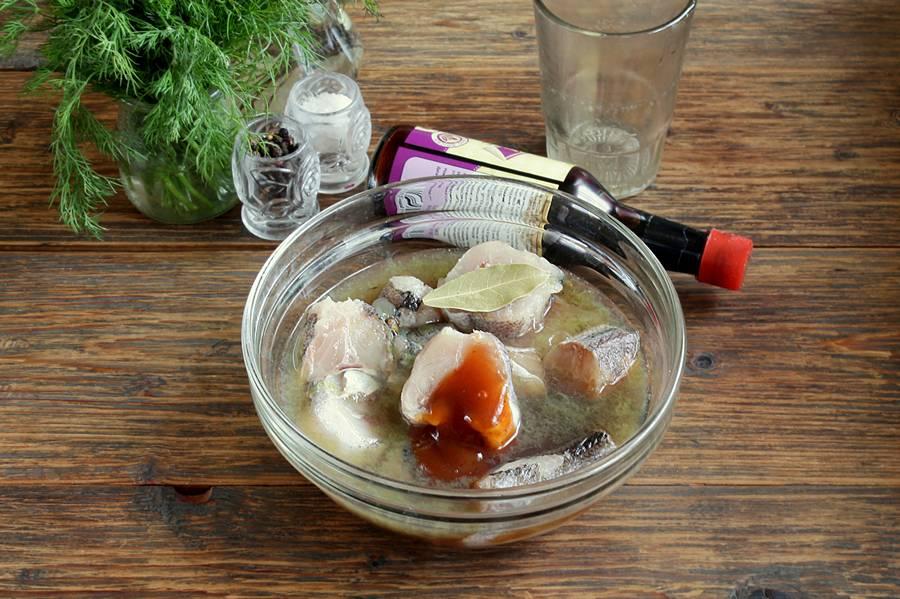 Приготовление рыбы в виноградно-соевом соусе