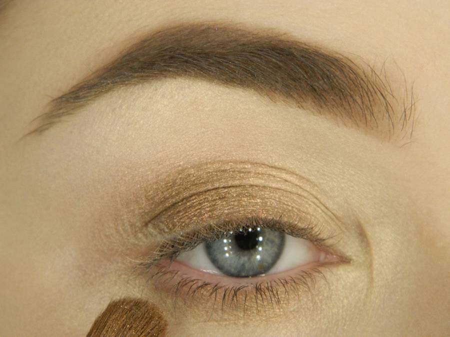 Как сделать вечерний макияж глаз с эффектом кошачьего взгляда