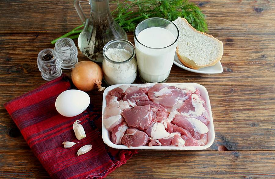 Ингредиенты свиных котлет