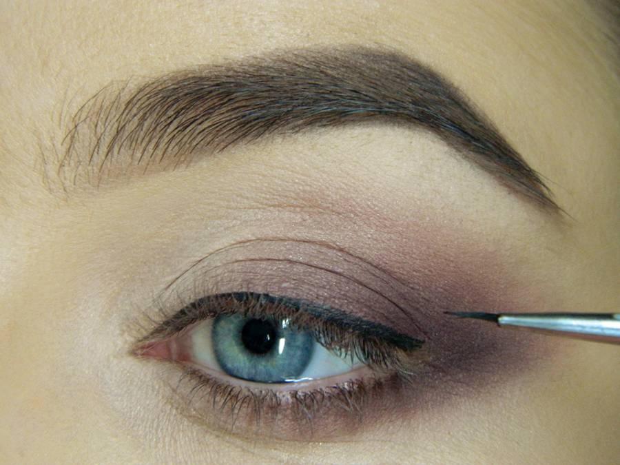 Как сделать легкий повседневный макияж глаз шаг 11
