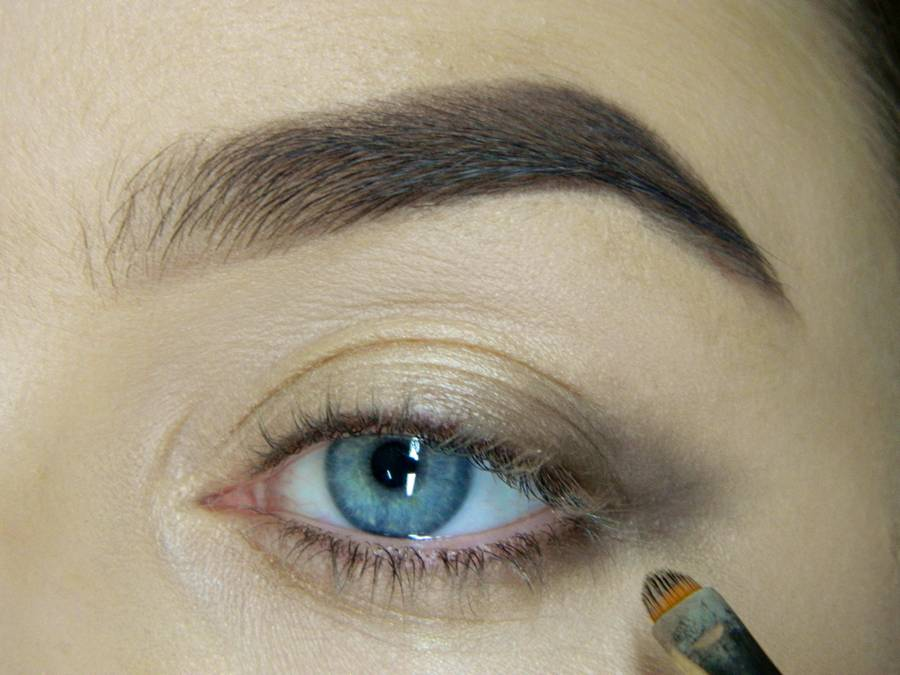 Как сделать легкий повседневный макияж глаз шаг 5