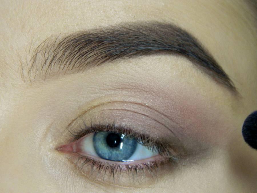 Как сделать легкий повседневный макияж глаз шаг 6