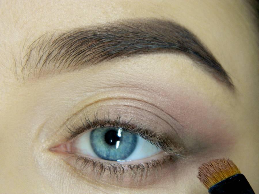 Как сделать легкий повседневный макияж глаз шаг 7