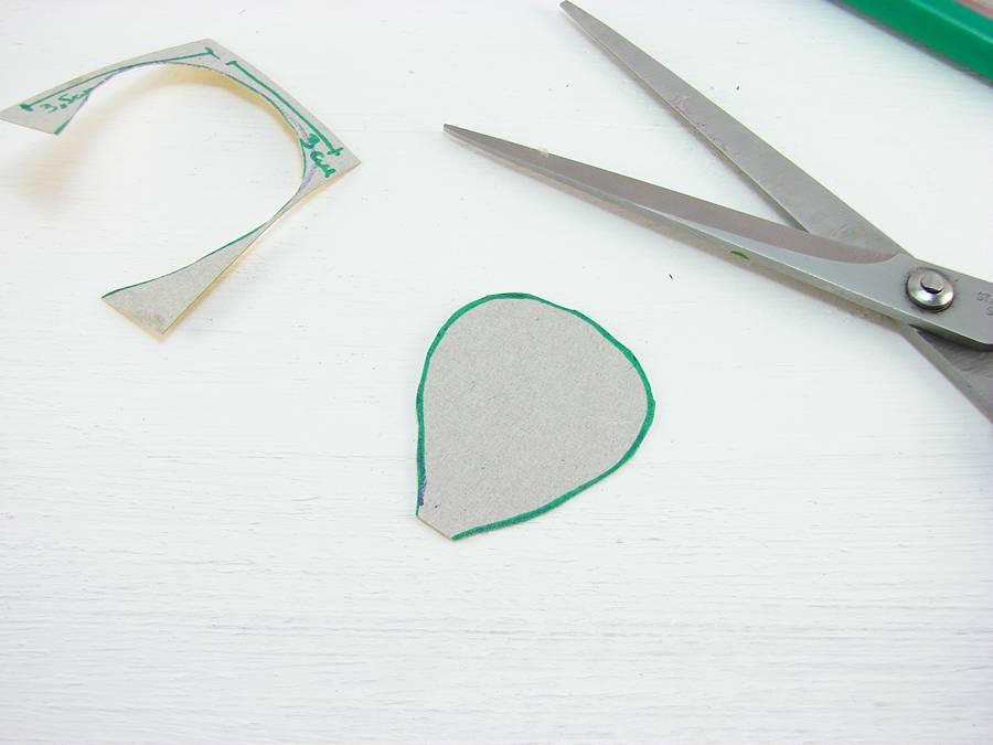 Как сделать лютики из гофрированной бумаги шаг 2