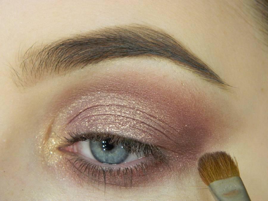 Как сделать макияж глаз с двойной стрелкой шаг 4
