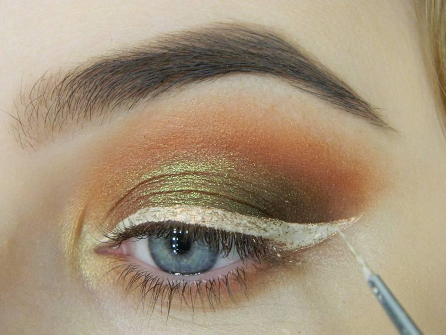 Как сделать макияж с двойной цветной стрелкой шаг 9