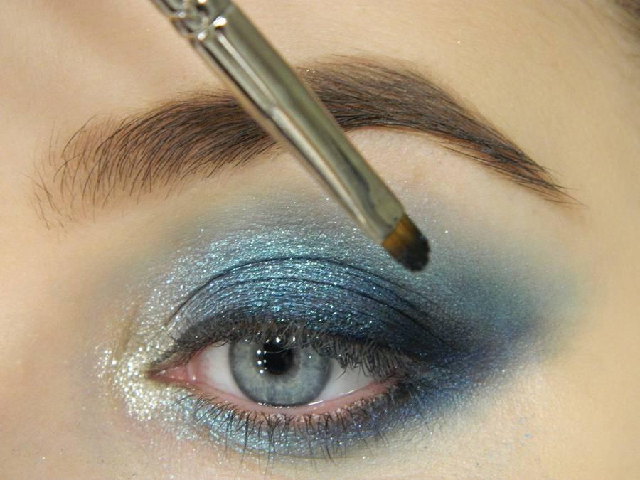 Как сделать новогодний ледяной макияж глаз шаг 10