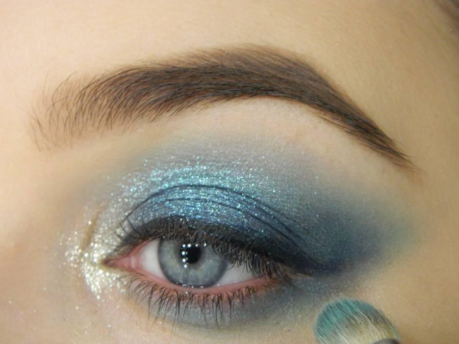 Как сделать новогодний ледяной макияж глаз шаг 8