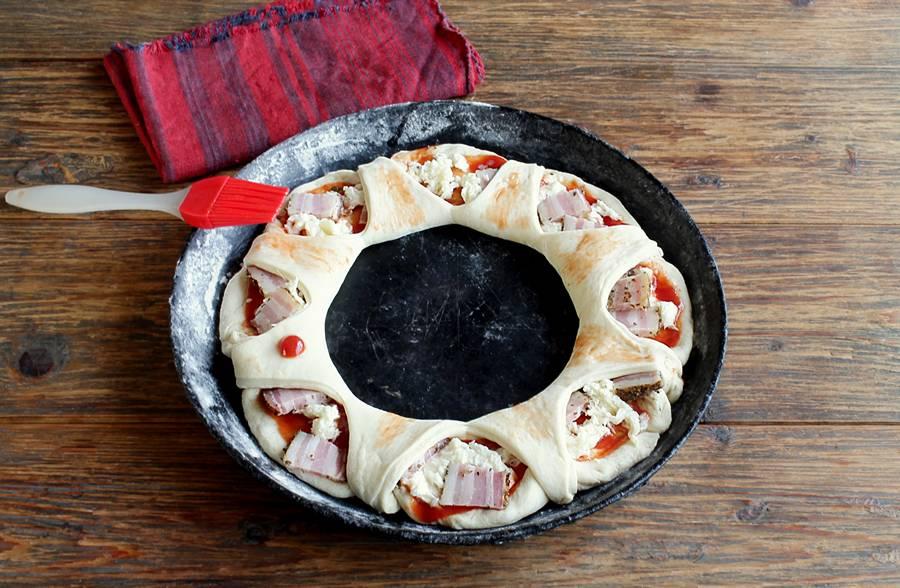 Приготовление пиццы в форме кольца шаг 7