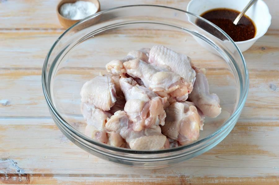 Приготовление куриных крыльев в медово-соевом соусе шаг 4