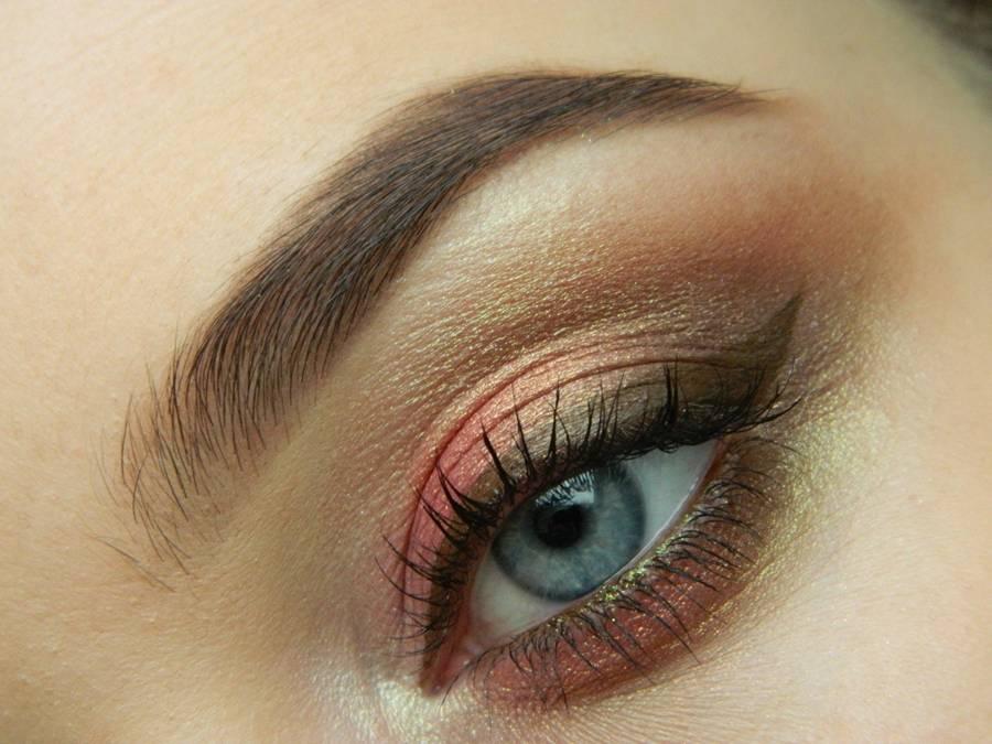 макияж глаз в персиковых теплых оттенках