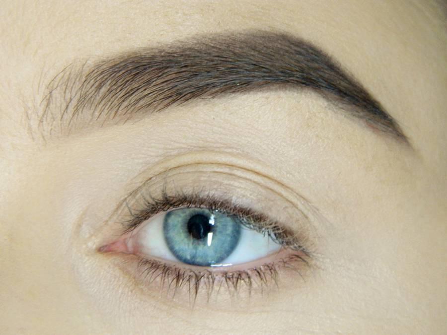 Готовая к макияжу глаз кожа