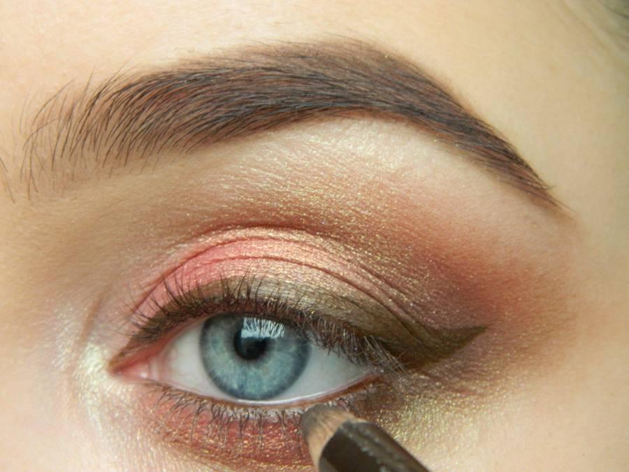 Как сделать дневной макияж в персиковых тонах шаг 11