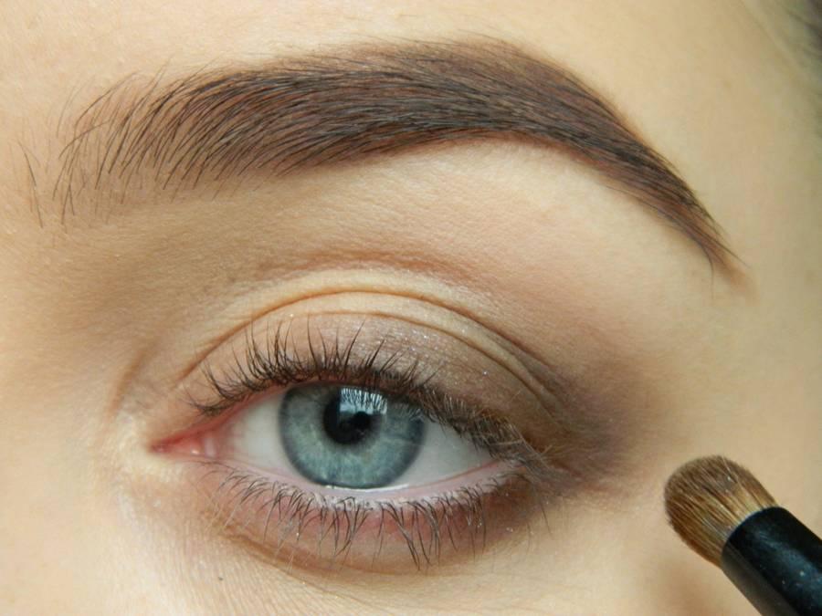 Как сделать дневной макияж в персиковых тонах шаг 3