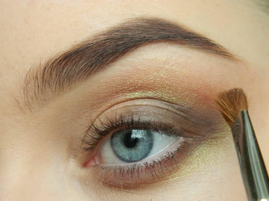 Как сделать дневной макияж в персиковых тонах шаг 4