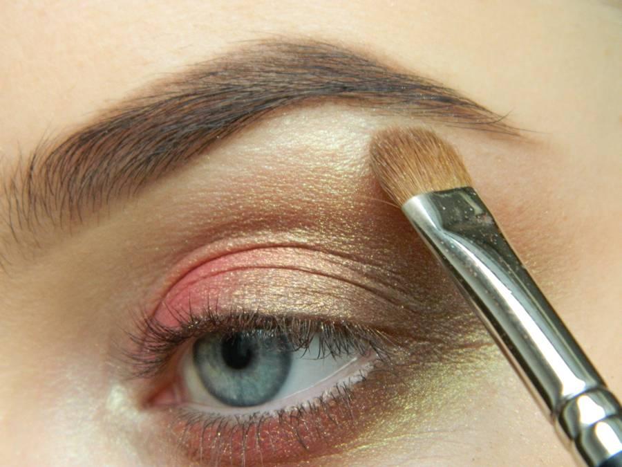 Как сделать дневной макияж в персиковых тонах шаг 8