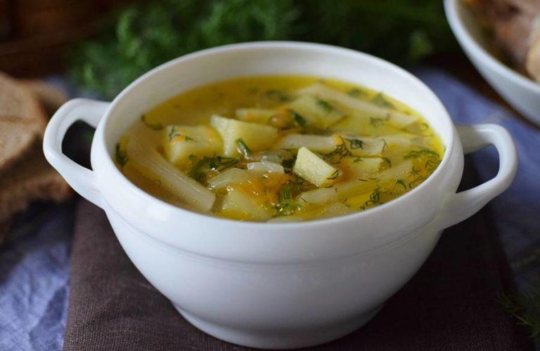 Зама - куриный суп с домашней лапшой, заправляется отрубным квасом.