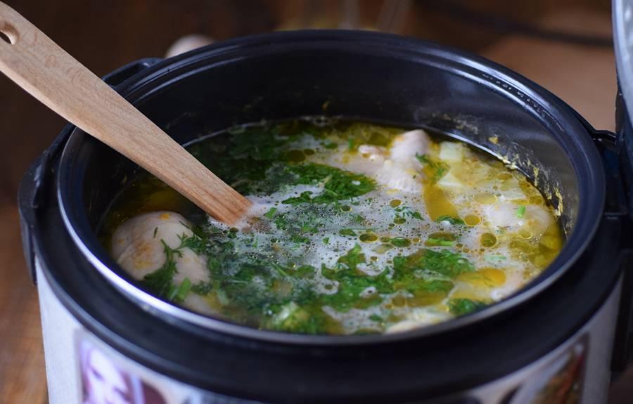 Приготовление куриного супа в мультиварке шаг 6