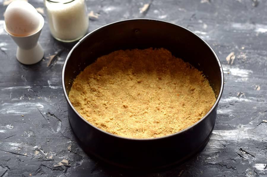 Приготовление творожного кекса на песочном корже шаг 3