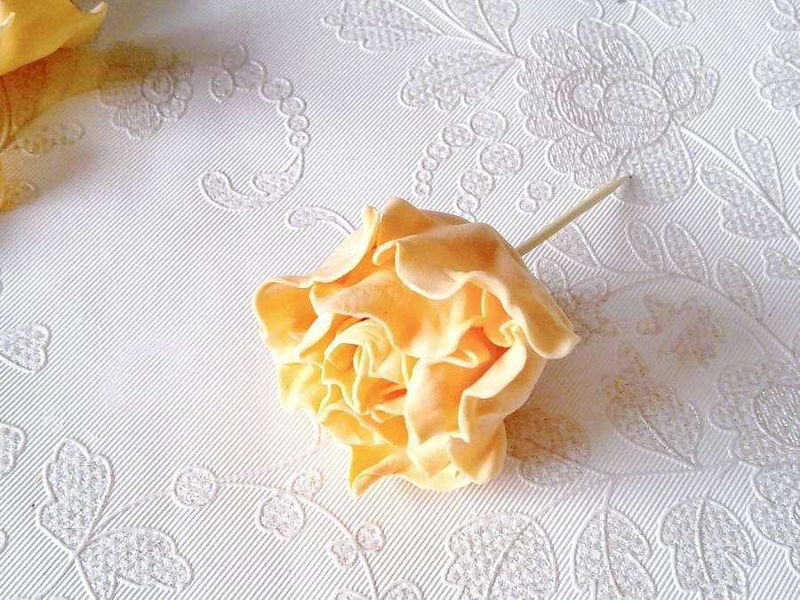 Изготовление чайной розы из фоамирана на резинке для волос шаг 13