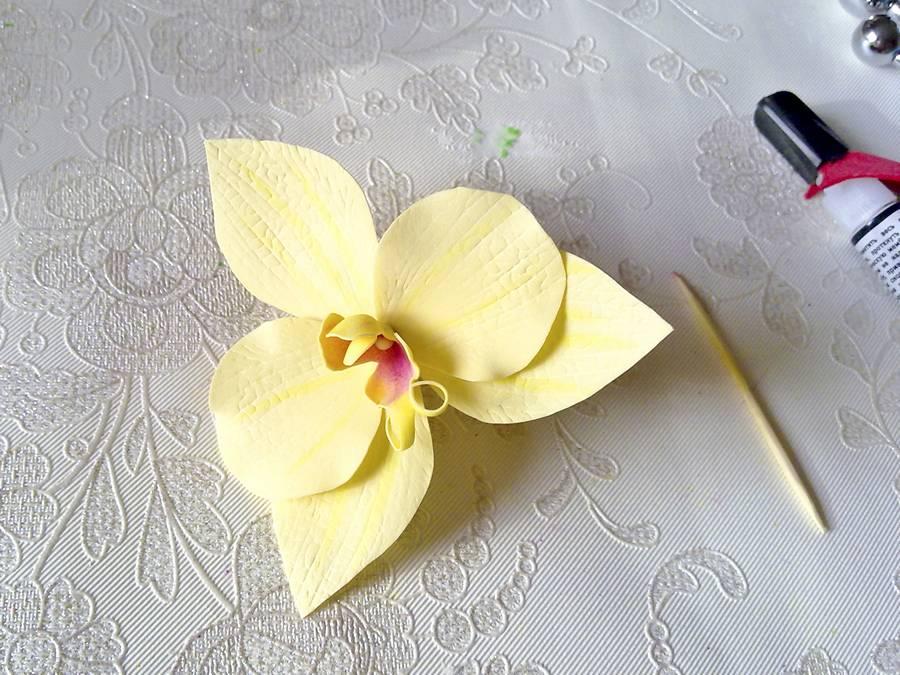 Изготовление орхидеи из фоамирана на шпильке для волос шаг 8