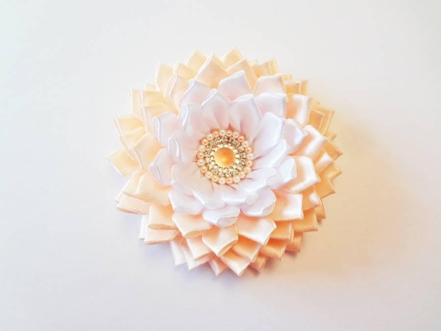 Изготовление заколки с цветком, выполненным в технике канзаши шаг 13